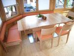 Tisch, Stühle und Bank in Ahorn, Bank mit Lederüberzug