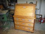 Restaurierung alter Möbel