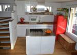 Küchenfront Kunstharz Hochglanz, Ablage Chromstahl u. Eiche massiv