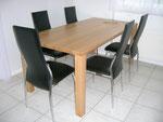 Tisch in Eiche massiv