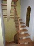 Treppensanierung: Tritte ud Geländer Buche mit Chromstahlstaketten auf best. Holmen montiert