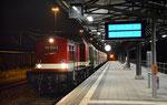 Nächtliche Stimmung am Bahnsteig im Bahnhof Freiberg am 23. Juni 2018. In der von 22.05 Uhr bis 23.50 Uhr währenden Pause herrschte hier Ruhe, währenddessen die Fahrgäste auf dem Bergstadtfest unterwegs waren. Foto: Archiv Bergstadtexpress