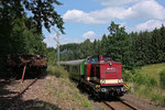 Der 2. Bergstadtexpress, gezogen von 204 237-2, unterwegs zwischen Freiberg und Berthelsdorf, hier am Einfahrsignal von Berthelsdorf aus Richtung Freiberg am 24. Juni 2017. Foto: Markus Bergelt