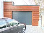 Garage mit Verkleidung mit Duglasie Trapetzprofiel