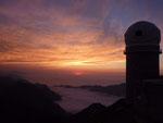 Avant d'en redescendre, coucher de soleil au pic du Midi de Bigorre
