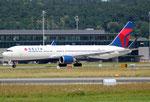 Boeing 767-300 Delta Airlines N173DZ