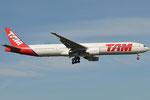 PT-MUG - Boeing 777-32W(ER) - TAM Linhas Aereas