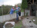 Baie de Somme: Si Jean s'y met aussi, là c'est sur! la bèche va s'enfoncer!