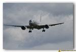 Boeing KC-767J  immatriculé 07-3604 en approche