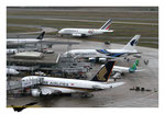 les Airbus A380 Singapor Airlines et Malaysia Airlines et Airbus A380 Air France décoration 80 ans AF