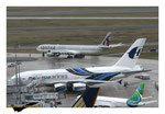 Airbus A380 Malaysia Airlines et Airbus A340-600 Qatar Airways