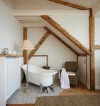 Strandhaus-Fehmarn I, die Badewanne im Schlafzimmer