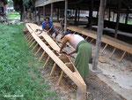 Herstellung eines typischen Langbootes auf dem Inle Lake