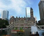 Nathan Philips Square - Toronto by Ralf Mayer