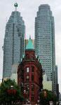 Flat Iron Building - Toronto by Ralf Mayer