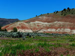 Painted Hills - John Day Fossil Beds - Oregon by Ralf Mayer
