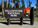 Parkeingang - Yellowstone Nationalpark by Ralf Mayer