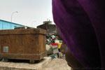 Ville Dakar, au port. Livre Dakar l'Insoumise, Edition Autrement