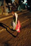Jeune danseuse, île de Goré. Livre Dakar l'Insoumise, Edition Autrement