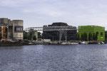"""Links Kulturzentrum """"Le Sucre"""", rechts Gebäude von Euronews"""