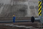 Schienen für das baggerseitige Fahrwerk und die beiden Eimerkettenbagger Es 3750
