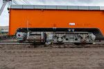 Raupenfahrwerk der Gleisrückmaschine zum seitlichen Umsetzen