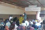 Bernard Zongo hält eine Ansprache