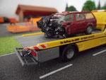 Abtransport des Unfallwracks
