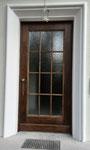 Haustür mit Glasteilung