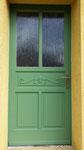 Haustür mit geschnitzter Füllung