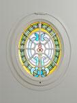 Oval mit alter Bleiverglasung, Aufgearbeitet