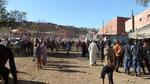 Beaucoup de monde à la fantasia d'Aït Mhammed