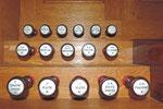 Orgue de Nontron (24) boutons de l'orgue photo amis de l'orgue de l'Orgue de Nontron