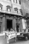Roma, Novembre 1976 - Crisi energetica, cavallo traina auto in Parlamento