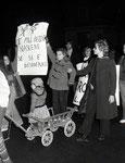 Roma,Gennaio 1975 - Bambini alla manifestazione femministe su aborto