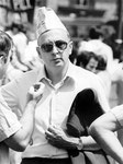 Roma, Luglio 1979 - Giorgio Napolitano con cappello di carta alla manifestazione metalmeccanici