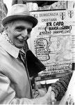 Roma, Dicembre 1990 - Torquato Secci alla manifestazione a Montecitorio contro stragi