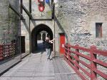 Vitré : Arrivera-t-il à lever le pont levis ?