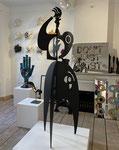 Antonine de Saint Pierre, sculpture, Phenix,  mobile 170cm, sculpture en découpe d'acier peint. Galerie Gabel, Biot, France