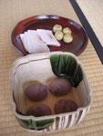 猪子餅と野地の里(黄)、柴舟