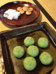 主菓子は小萩、干菓子は成城散歩