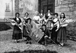 1973 - il gruppo in costume fondato in occasione del 40°
