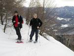 Chico e Adri sul sentiero Zottone - Alpe di Mageno