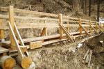 Il ponte pericolante è stato ricostruito
