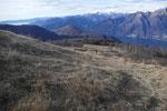 Al centro il Monte Borgna ed il Lago Delio