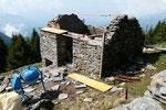 Lavori di restauro all'Alpe di Motto