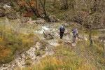 Attraversiamo il riale che scende dalla Valle di Duslinn