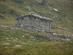 Cascina al Pass di Passit 2082 m