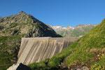 Partenza dalla diga del Lago di Lucendro 2078 m