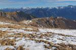 Ritorniamo all'Alpe Morisciolo dove deviamo per l'Alpe d'Orino